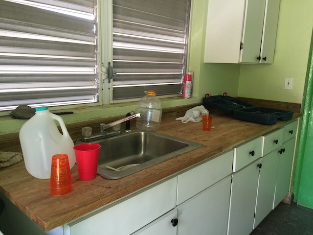 The new kitchen countertop - doesn't look like one of my normal kitchens - right ????