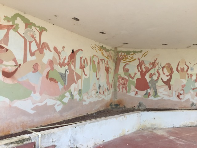 The amazingly well preserved outdoor mural at Furthermore House - designed by Ray Nathaniel the architect who based in Nassau