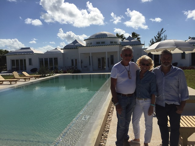 Bob, me and Tom with the pool and the backdrop of La Bougainvillea
