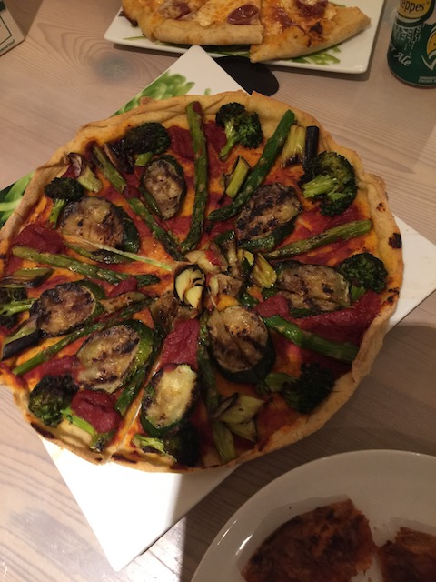 Char grilled vegetable pizza - very very tasty .....