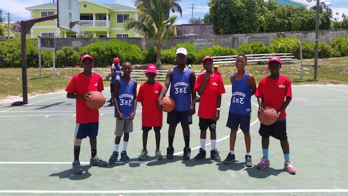 Competitors in their Aliv and 3 x 3 shirts
