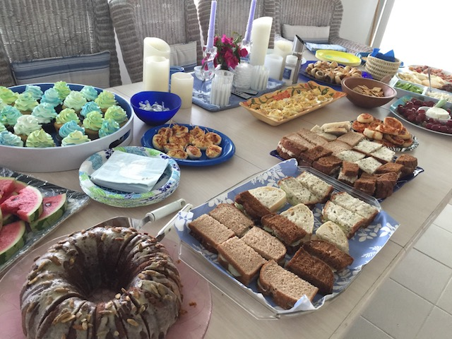 A lovely spread by everyone who came.