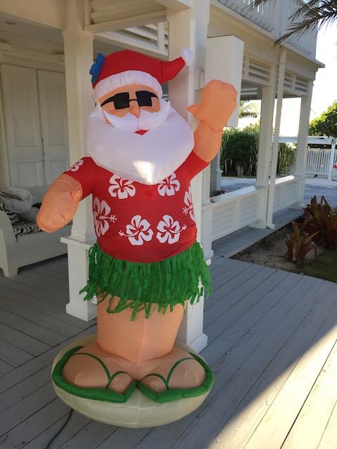 Hey - hula Santa is back !!