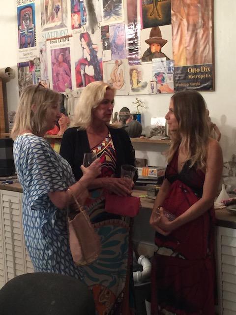 Diney, Amanda and Sarah- talking serious stuff ....