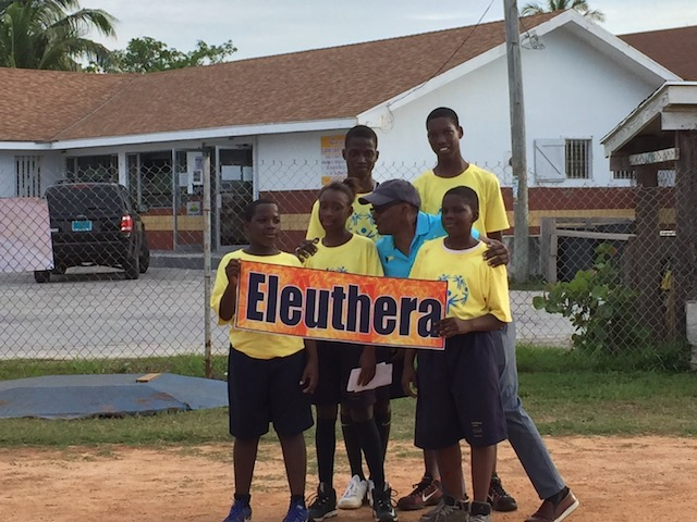 The Eleuthera team with the Hon Desmond Bannister - Minister of Works - he did the opening speech....