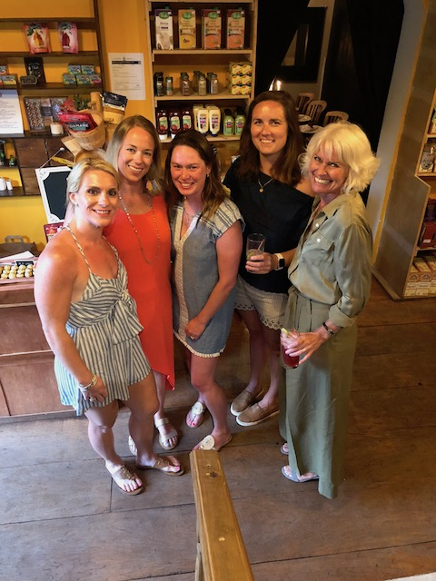 A lovely night at Bacchus Fine Foods with great friends Brooke and Andy Bell, the 2 Carolyns and Eebee .... No you're right - Andy is not in the picture !