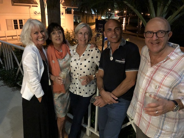 We were a bit cropped off at the top of the blog - so here we are again, me, Carolyn, Marilyn, Mark and Chris.....